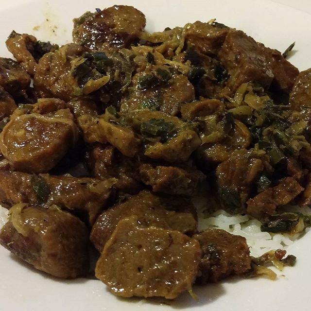 Seitan al verdeo con Malbec con base de arroz